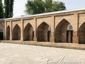 2019Amazing!穿越古絲路上的中亞五國之旅(7-2)--塔吉克斯坦之歷史文化遺產希薩碉堡:05●博物館呈矩型規劃的中庭周圍原先是講堂與宿舍,現在做為展示間使用 (1).jpg