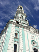 2018印象翻轉的俄羅斯奇幻之旅(6-2)--宛如置身遊樂園的謝爾蓋聖三一修道院:18●有著漂亮Tiffany Blue配色的鐘樓,是俄羅斯最高的鐘樓之一.JPG