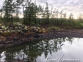 2019夏季內蒙草原風光與貝加爾湖詩意之約(5)--詩意盎然的阿爾山國家森林公園:17●因為天候的關係,一潭積水近似黑色,加上谷坑邊的黑色石礫,讓我一時失神聯想了關於冥間的傳說,事實上,感覺