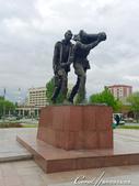 2019Amazing!穿越古絲路上的中亞五國之旅(6-4)--吉爾吉斯斯坦之首都比什凱克勝利紀念碑:06●頑強抗戰的烈士雕像,代表一種不屈服的精神.JPG