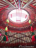 2019Amazing!穿越古絲路上的中亞五國之旅(5-3)--吉爾吉斯斯坦之蒙古包風味餐:02●如傘骨般的烏尼桿撐起了屋頂的中心,光線透過被稱做陶腦的天窗溫柔的灑進室內,雖無緣下榻一晚,但可以在此用