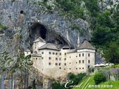 2018不思議之克、斯、義秘境歐遊記(5~2)--斯洛維尼亞之岩石洞穴中的強盜男爵城堡(Predja:01●建於12世紀的強盜男爵城堡,以一種讓人不可思議的方式呈現世人面前,讓人大開眼界.jpg