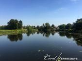 2018印象翻轉的俄羅斯奇幻之旅(5-4)--移動景點之間、體驗蘇茲達爾美好風光的小散步:10●藍天綠地倒影在宛如鏡面一般的河面上.JPG