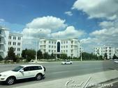 2019Amazing!穿越古絲路上的中亞五國之旅(11-1)--土庫曼斯坦首都──阿什哈巴德:02●寬敞氣派的大馬路、成蔭的綠樹、白色的自用車與白色大理石建築 (7).JPG