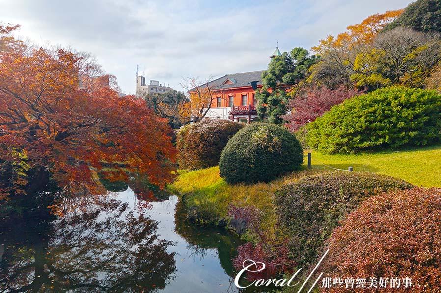 紅葉飄飄15日東京自由行--我在小石川植物園:01●以為我到歐洲了嗎?不!我在風光如畫的小石川植物園.JPG