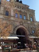 2018印象翻轉的俄羅斯奇幻之旅(2-7)--古姆百貨的西瓜噴泉、冰淇淋與莫斯科河的夜色:01●百年來屹立紅場的古姆百貨,比起聖巴索教堂、克里姆林宮毫不遜色,有著奢靡的古典氣息,也承襲了帝國時期的皇