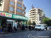 2019Amazing!穿越古絲路上的中亞五國之旅(8-3)--塔吉克斯坦之謝赫‧穆斯里希丁陵墓:04●進入市區前的苦盞印象──少有民族風味的建物、與著傳統衣飾的長者與婦女,顯然這裡是自古至今經過多民族融合