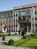 2019Amazing!穿越古絲路上的中亞五國之旅(7-6)--塔吉克斯坦首都杜尚別之烤肉串大餐:04●小學大們前與無所不在的塔吉克總統像.JPG