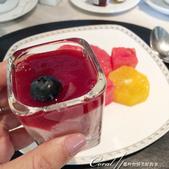 2018印象翻轉的俄羅斯奇幻之旅(2-1)--莫斯科的晨光與自助式早餐初品味:11●據說八月是俄羅斯藍莓的產季,當然要來個莓果慕思做餐後的甜點.JPG