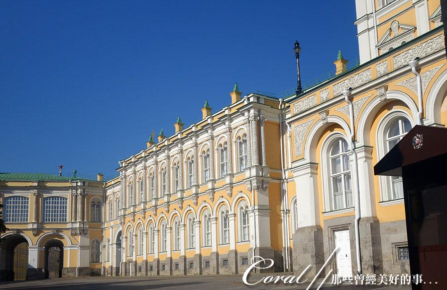 2018印象翻轉的俄羅斯奇幻之旅(2-5)--陰與陽、柔與剛交錯下的莫斯科之心「克里姆林宮」:36●大克里姆林宮週邊還有三個主要建築,包括中央宮、多棱宮和特雷姆宮.JPG