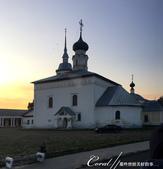 2018印象翻轉的俄羅斯奇幻之旅(4-3)--夕陽餘暉中的蘇茲達爾與獵人之家烤肉風味餐:02●驚鴻一瞥的;除了美麗的夕陽與剪影,還有別具鄉間風情的教堂.JPG