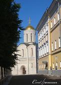 2018印象翻轉的俄羅斯奇幻之旅(4-2)--弗拉基米爾世界文化遺產之白色古蹟群:聖母升天大教堂與聖:12●往前方是有弗拉基米爾最美麗的教堂之稱的聖德米契大教堂.JPG