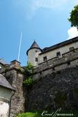 2018不思議之克、斯、義秘境歐遊記(9)--霍恩斯特維茨城堡 Burg Hochosterwitz:28●無法臨場感受堡壘的壯闊景象,但可至官網欣賞從高處俯拍城堡矗立於巨岩上的全貌.JPG