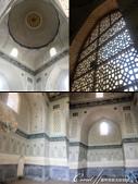 2019Amazing!穿越古絲路上的中亞五國之旅(14-2)--烏茲別克斯坦之三座重要的陵墓:16●室內非常清雅的白加藍主色系,即使一樣有繁複炫麗的馬賽克拼貼圖紋裝飾,但是相較於金光閃閃的古爾·埃米爾 Gur-Em