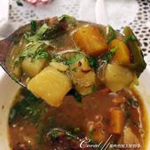2019Amazing!穿越古絲路上的中亞五國之旅(7-1)--塔吉克斯坦之「山地之國」初印象  :04●跳過夜間難以消化的肉類,這碗肉湯倒是非常好喝,濃淡適中,經過長時間燉煮,蘿蔔、洋芋都已入味,在加上微妙