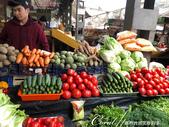 2019Amazing!穿越古絲路上的中亞五國之旅(6-3)--吉爾吉斯斯坦之Osh Bazaar:13●因為氣候與地理的關係,雖然蔬菜的種類不多,但每種都看起來鮮豔欲滴.jpg