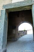 2018不思議之克、斯、義秘境歐遊記(9)--霍恩斯特維茨城堡 Burg Hochosterwitz:23●穿過城門同時,可見證歷史曾在石牆上留下的痕跡,與當時設下的陷阱.JPG