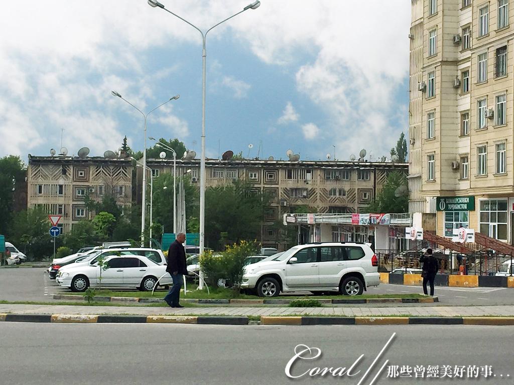 2019Amazing!穿越古絲路上的中亞五國之旅(7-1)--塔吉克斯坦之「山地之國」初印象  :06●蘇聯時期遺留下來的老式公寓 (3).JPG