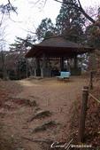 紅葉飄飄15日東京自由行--御岳山:●一座小小的涼亭.JPG