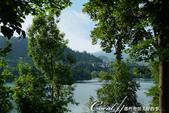 2018不思議之克、斯、義秘境歐遊記(6~4)--閃耀綠寶石光芒的布雷得湖 Lake Bled 與高:26●雖然布雷得湖心小島的高度不過40公尺,但沿著小徑步行往下,一樣拍到很多唯美的畫面,隨便快門一按就是一張明