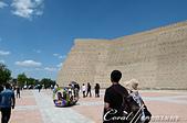 2019Amazing!穿越古絲路上的中亞五國之旅(13-4)--烏茲別克斯坦之布哈拉亞克要塞:07●廣場上一度出現遊樂場才會出現的圓形小車,似乎將布哈拉歷史地標娛樂化了.JPG