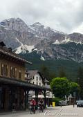 2018不思議之克、斯、義秘境歐遊記(8~1)--陶醉蠆意大利邊境 Dolomites (德洛米堤山:09●遠處的山頭還有未融的積雪,帶來一股涼意.JPG