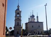 2018印象翻轉的俄羅斯奇幻之旅(5-1)--光明與誨暗層經在此併存的聖艾烏非米夫斯基救世主修道院:02●隔著聖艾烏非米夫斯基救世主修道院的馬路另一頭,另有一座教堂與它的鐘樓.JPG