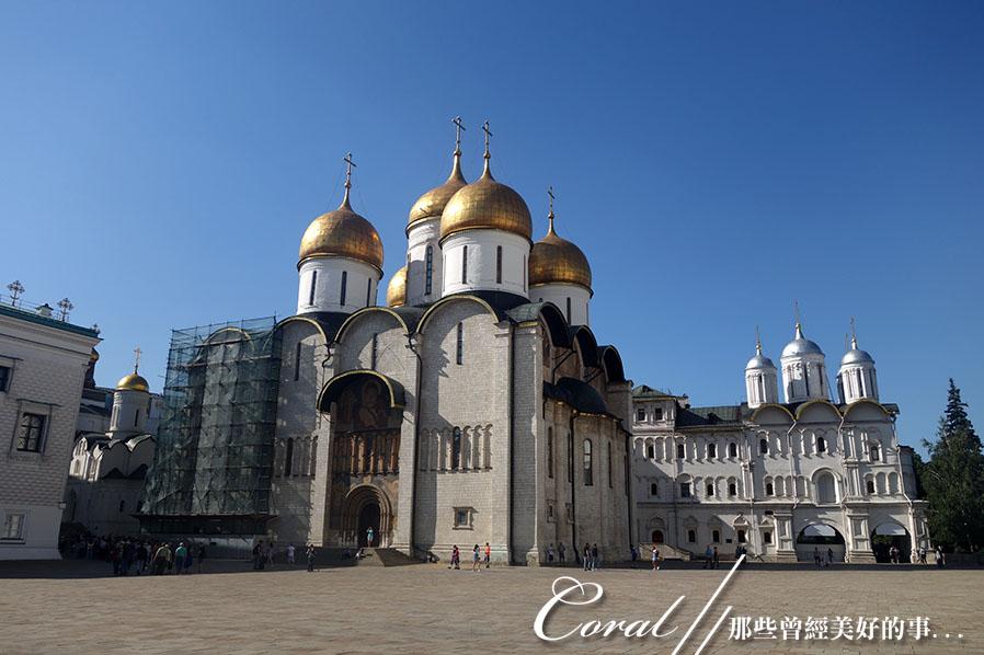 2018印象翻轉的俄羅斯奇幻之旅(2-5)--陰與陽、柔與剛交錯下的莫斯科之心「克里姆林宮」:27●用於沙皇加冕儀式的聖母升天大教堂,建於1475年至1479年,無論在歷史或宗教的地位及價值都超越其他的教堂.JPG