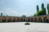 2019Amazing!穿越古絲路上的中亞五國之旅(7-2)--塔吉克斯坦之歷史文化遺產希薩碉堡:05●博物館呈矩型規劃的中庭周圍原先是講堂與宿舍,現在做為展示間使用 (2).JPG