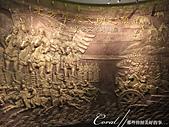 2019夏季內蒙草原風光與貝加爾湖詩意之約(7-2)--扎賚諾爾博物館與傳說中的呼倫湖:03●歷史文化廳的入口處的一幅立體的壁雕,表現了草原民族的豪邁氣魄.JPG