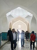 2019Amazing!穿越古絲路上的中亞五國之旅(14-2)--烏茲別克斯坦之三座重要的陵墓:14●陵墓室內精緻的浮雕與壁畫,經過鍍金的處理,非常華麗閃耀,連穹頂上的幾何設計與吊燈也美到極點(2).JPG