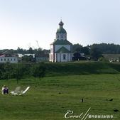 2018印象翻轉的俄羅斯奇幻之旅(5-5)--曾為蘇茲達爾靈魂之地的克里姆林宮:06●卡緬卡河畔的先知以利亞教堂又再一次入鏡,詮釋了這個童話小城之美.JPG