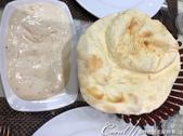 2019Amazing!穿越古絲路上的中亞五國之旅(7-6)--塔吉克斯坦首都杜尚別之烤肉串大餐:10●搭配酸奶一起食用的饢餅.jpg