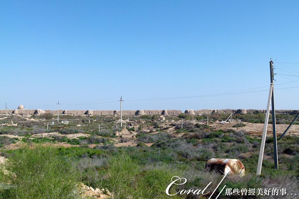 2019Amazing!穿越古絲路上的中亞五國之旅(12-1)--土庫曼斯坦之傳說中的默伏古城:22●在中國古代稱為「木鹿」默伏古城,面積超過400公頃,過去由這座城牆與護城河保護.JPG