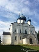 2018印象翻轉的俄羅斯奇幻之旅(5-5)--曾為蘇茲達爾靈魂之地的克里姆林宮:07●11世紀建造的聖母誕生大教堂原是木造建築物,在12世紀時因不堪使用改以白色石灰岩重建,並且壁面上有很多美麗