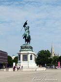 2018不思議之克、斯、義秘境歐遊記(10)--飛回台灣前的維也納印象之旅:06●曾經抵禦拿破崙成功的卡爾大公爵 Erzherzog Karl雕像,位於自瑪麗亞‧特蕾西亞廣場往霍夫堡皇宮 hofburg imperial palace的