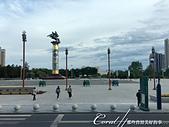 2019夏季內蒙草原風光與貝加爾湖詩意之約(3-2)--傳說中散發異國風情的城市─滿洲里:03●海拉爾中心城區的標誌性景點──成吉思汗廣場,是內蒙古最大的廣場,當然,少不了清晨與黃昏時分的大媽廣場舞.