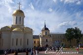 2018印象翻轉的俄羅斯奇幻之旅(6-2)--宛如置身遊樂園的謝爾蓋聖三一修道院:20●聖人謝爾蓋的靈柩就安放在這座教堂裡,終年信徒不斷,到此瞻仰聖體與遺物.JPG