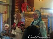 2018印象翻轉的俄羅斯奇幻之旅(4-3)--夕陽餘暉中的蘇茲達爾與獵人之家烤肉風味餐:08●兩位主角一連串的逗趣表演,讓我們見識了傳統歌謠與短劇活靈活現的一面.JPG
