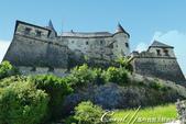 2018不思議之克、斯、義秘境歐遊記(9)--霍恩斯特維茨城堡 Burg Hochosterwitz:27●無法臨場感受堡壘的壯闊景象,但可至官網欣賞從高處俯拍城堡矗立於巨岩上的全貌.JPG