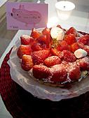 2009 Avon's Bday:strawberry pie