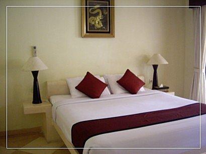 9702峇里島之旅:峇里島-同VILLA的雙人床