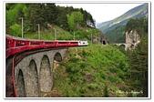 105瑞士_交通工具:01A10505270073s火車過蘭德瓦薩拱橋-庫爾往聖摩理斯.jpg