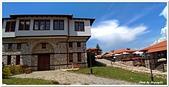 107-2馬其頓:A10706071227M_20180607_123137_傳統石造村落的庭園餐廳-史高比耶-馬其頓.jpg