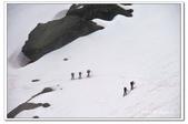 105法國_夏慕尼:A10506053678雪中登山客-纜車-夏慕尼.jpg