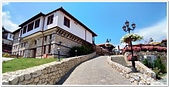 107-2馬其頓:A10706071227M_20180607_122352_傳統石造村落的庭園餐廳-史高比耶-馬其頓.jpg