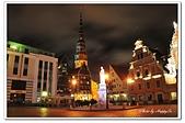 104拉脫維亞:A10409210580市政廳廣場夜景-里加-拉脫維亞.jpg