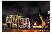 104拉脫維亞:A10409210582市政廳廣場夜景-里加-拉脫維亞.jpg