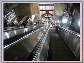 重慶黑心 水果攤+菜園壩水果批發市場:兩路口往火車站電扶梯.JPG