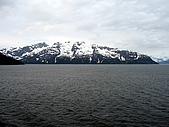 照2008-06-12-alaska-Glacier Bay欣賞冰山崩解--阿拉斯加遊輪:IMG_5002.JPG